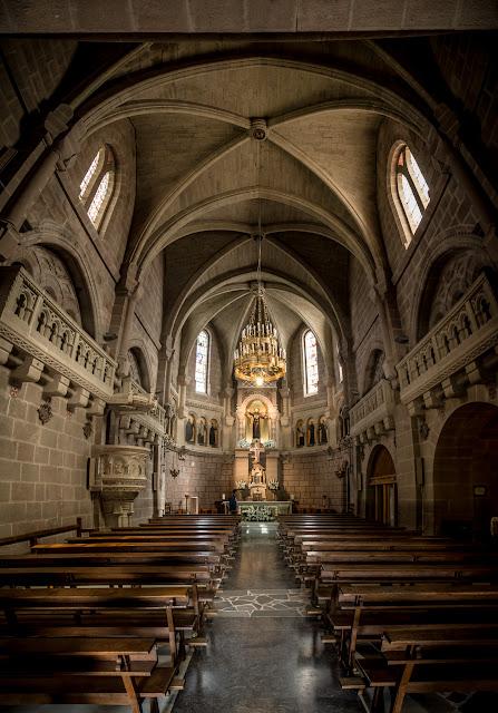 Interior de la basílica :: Panorámica 14 x Canon EOS5D MkIII | ISO1600 | Canon 24-105 @24mm | f/4.0 | 1/30s