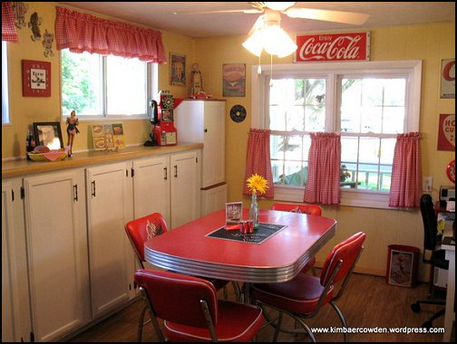 Decorating theme bedrooms maries manor coca cola for 50 s style kitchen designs