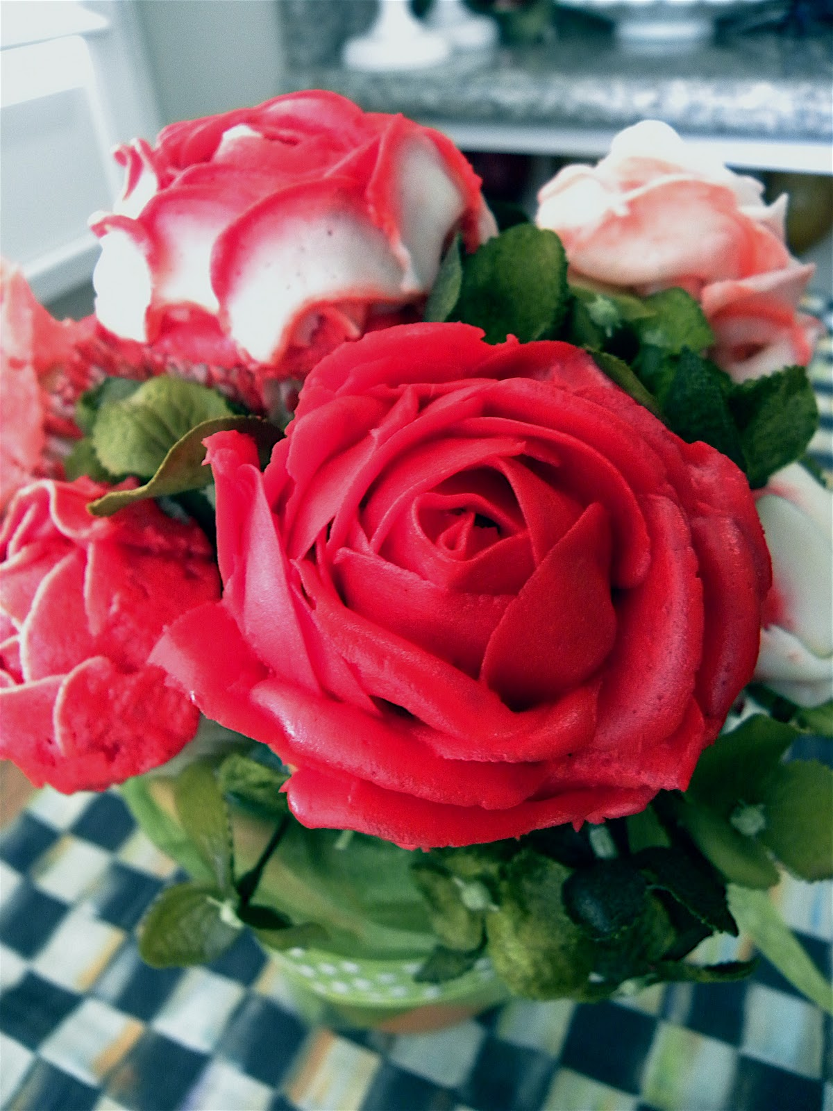 Rose cupcake bouquets blakeycakes cakes cupcakes rose cupcake bouquet roses made out of buttercream frosting izmirmasajfo