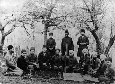 علی اصغر شمس محمدی در پشت این عکس چنین مینویسند