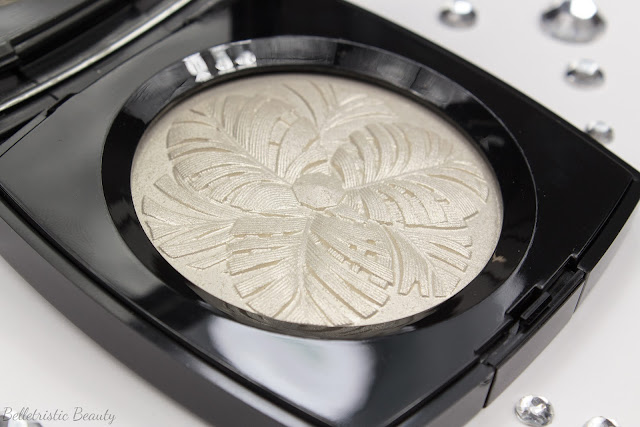 Chanel Camélia de Plumes Highlighting Highlighter Illuminating Illuminator Powder Platine Platinum, Plumes Précieuses de Chanel Collection, Holiday Winter 2014