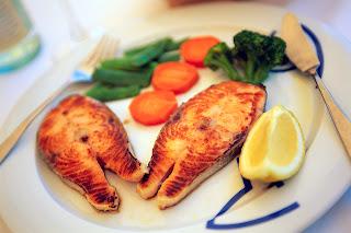 diet sehat dengan makan ikan
