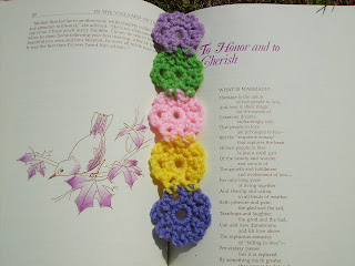 Scrap Yarn Crochet : Free Floral Bookmark Pattern