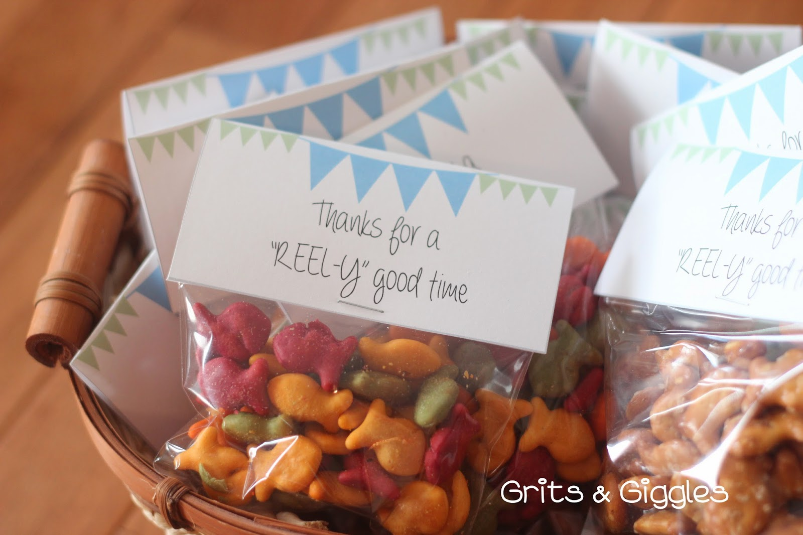 Grits giggles free printable fishing party favors for Fishing party favors