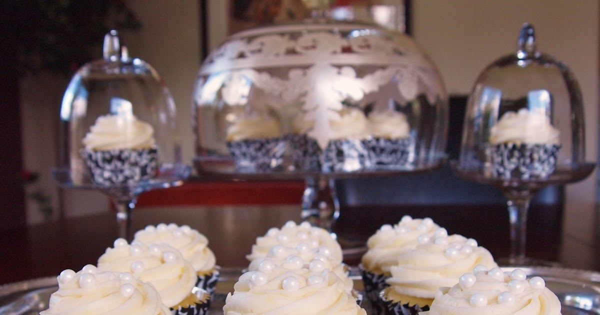 Really Moist Lemon Cupcakes for Lemon Lovers