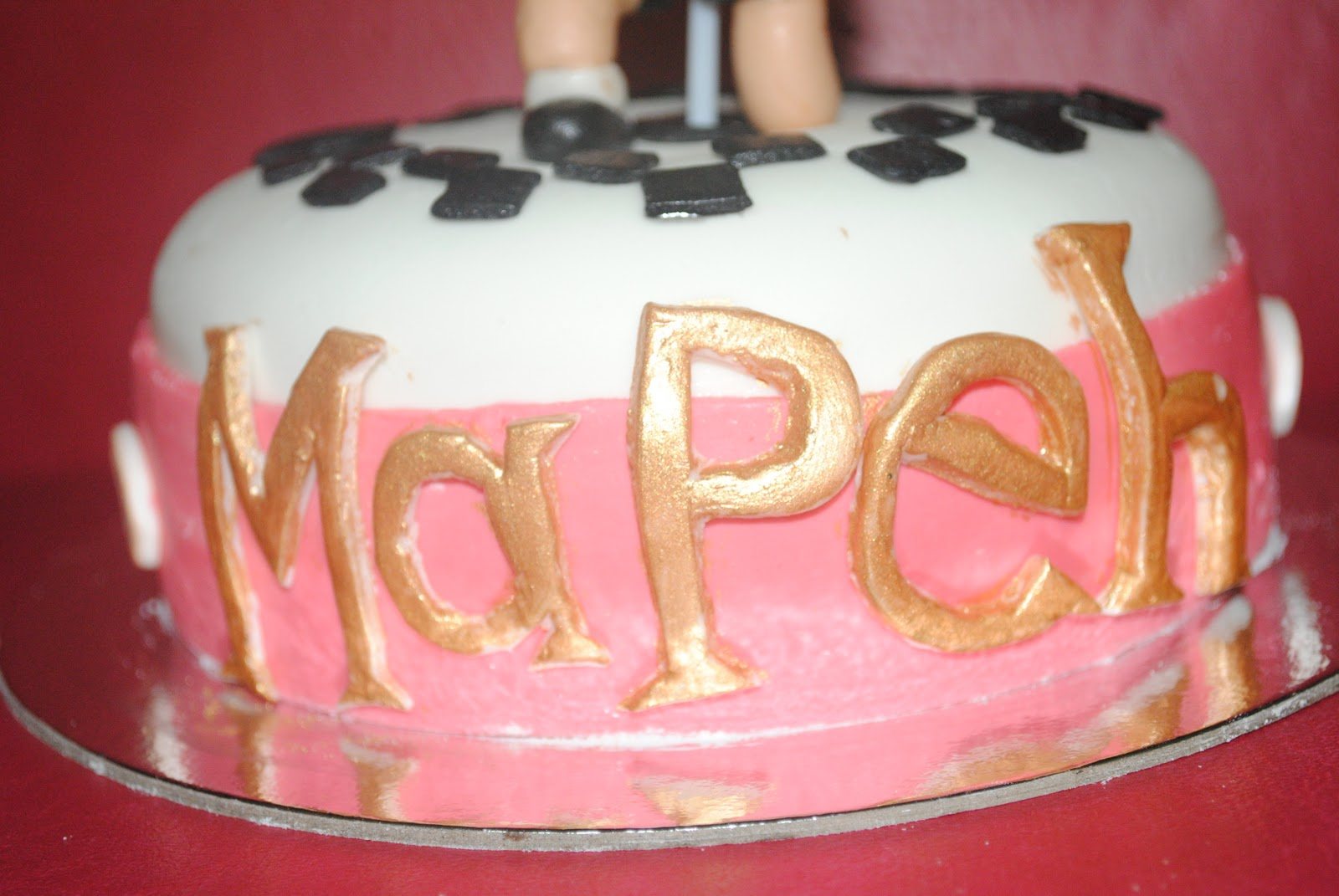 cakebug: Physical Education in a cake?