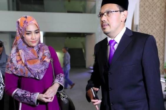 Fasha Sandha dan Jejai Sah Bercerai Talak Satu