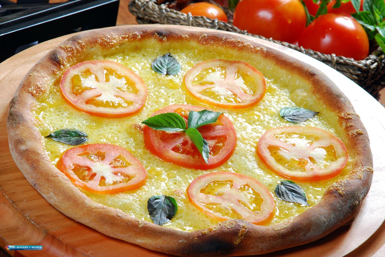 http://4.bp.blogspot.com/-uSz3fsQuGKU/TjvZQM9p5XI/AAAAAAAAJxI/Ld8tIBBbngQ/s1600/Pizza+HD+Wallpapers+%25282%2529.jpg