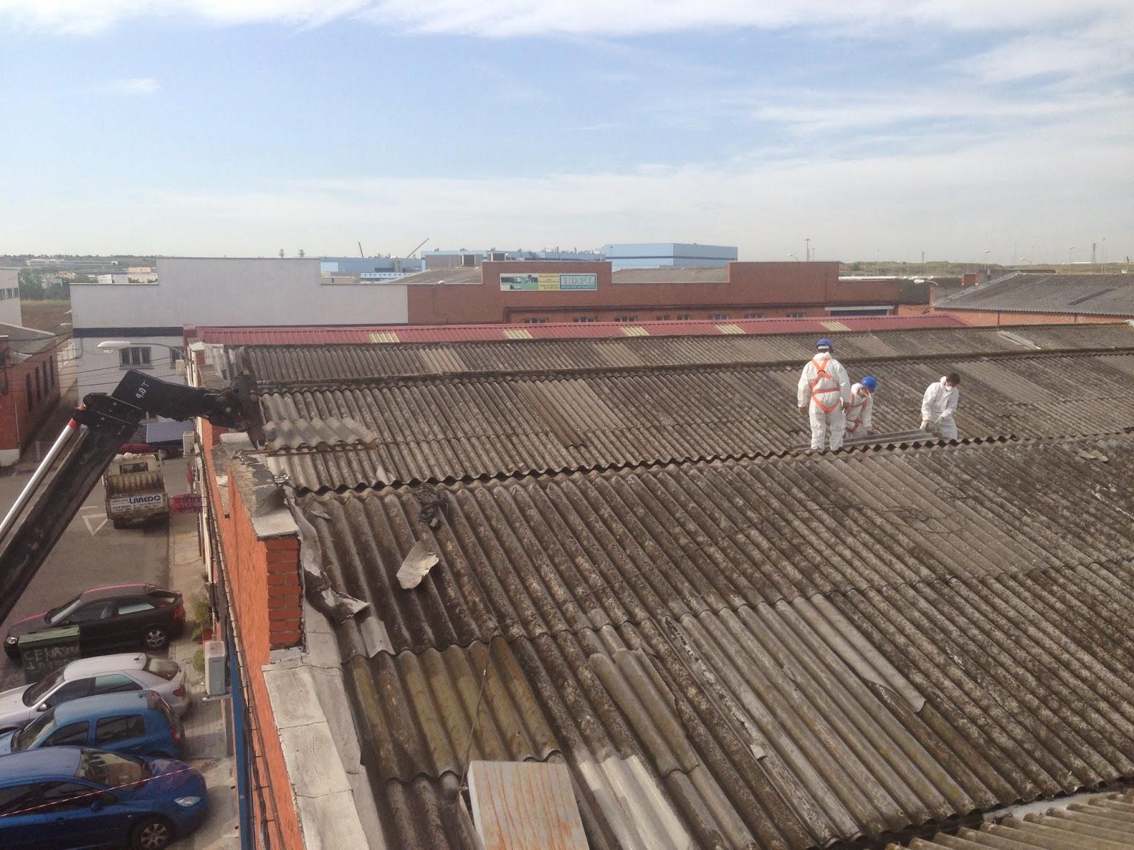 Teja uralita uralitas placas fibrocemento trabajos en for Tejados de uralita riesgos