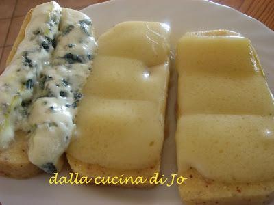 crostoni di polenta e formaggio