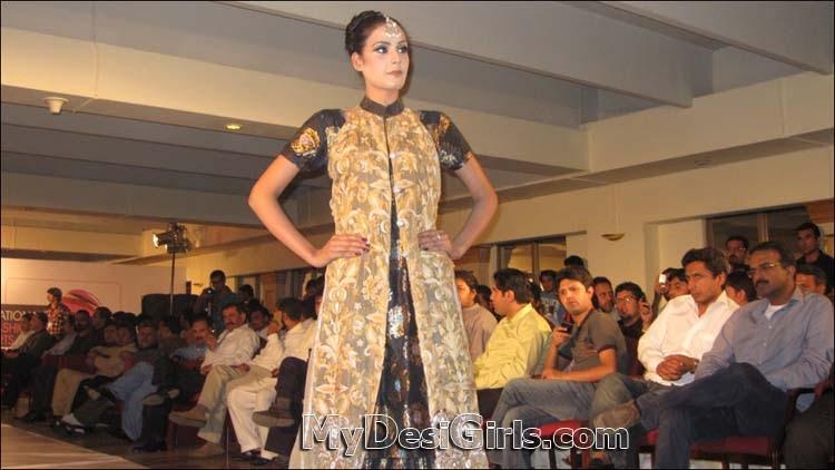 Fashion Trend Today Pakistani Girls Fashion Show In Peshawar
