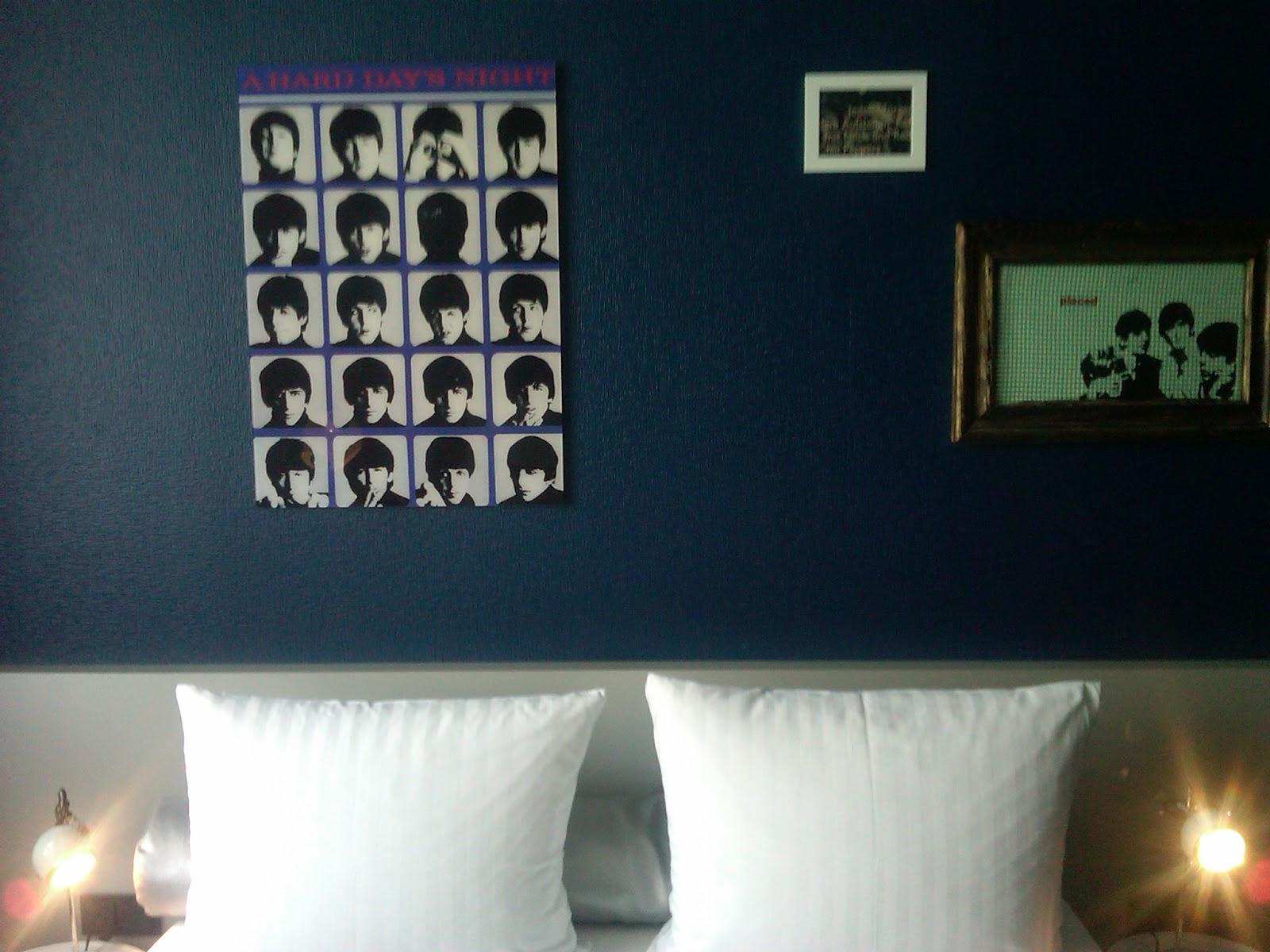 25h levis in frankfurt. Black Bedroom Furniture Sets. Home Design Ideas