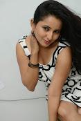 Ishika singh sizzling pics-thumbnail-10