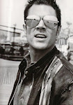 Hi I'm Johnny Knoxville...