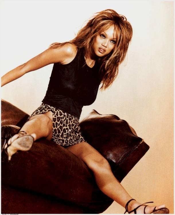 Tyra Banks Young: Tyra Banks Hairstyle Trends: Tyra Banks Photoshoot Pictures