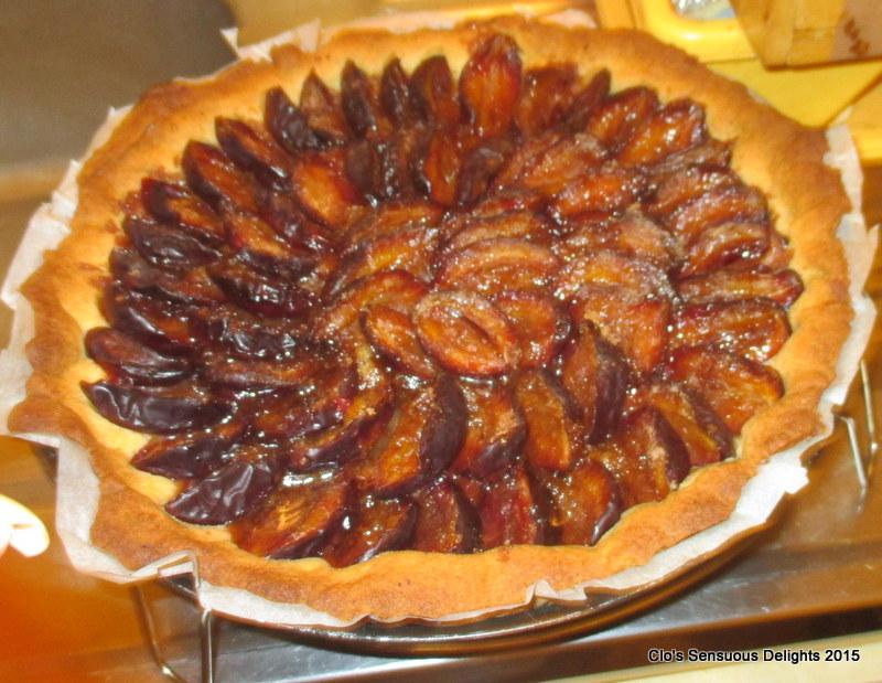 clo s sensuous delights tomates farcies sur lit de pommes de terre tartes aux quetsches 09 09