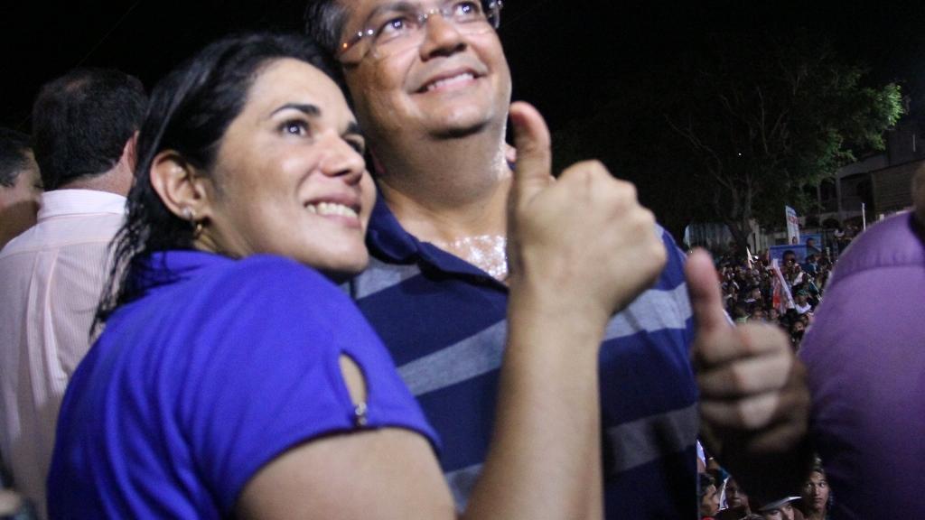 Milhares passeiam com Luana, Flávio Dino e Caravana da Vitória