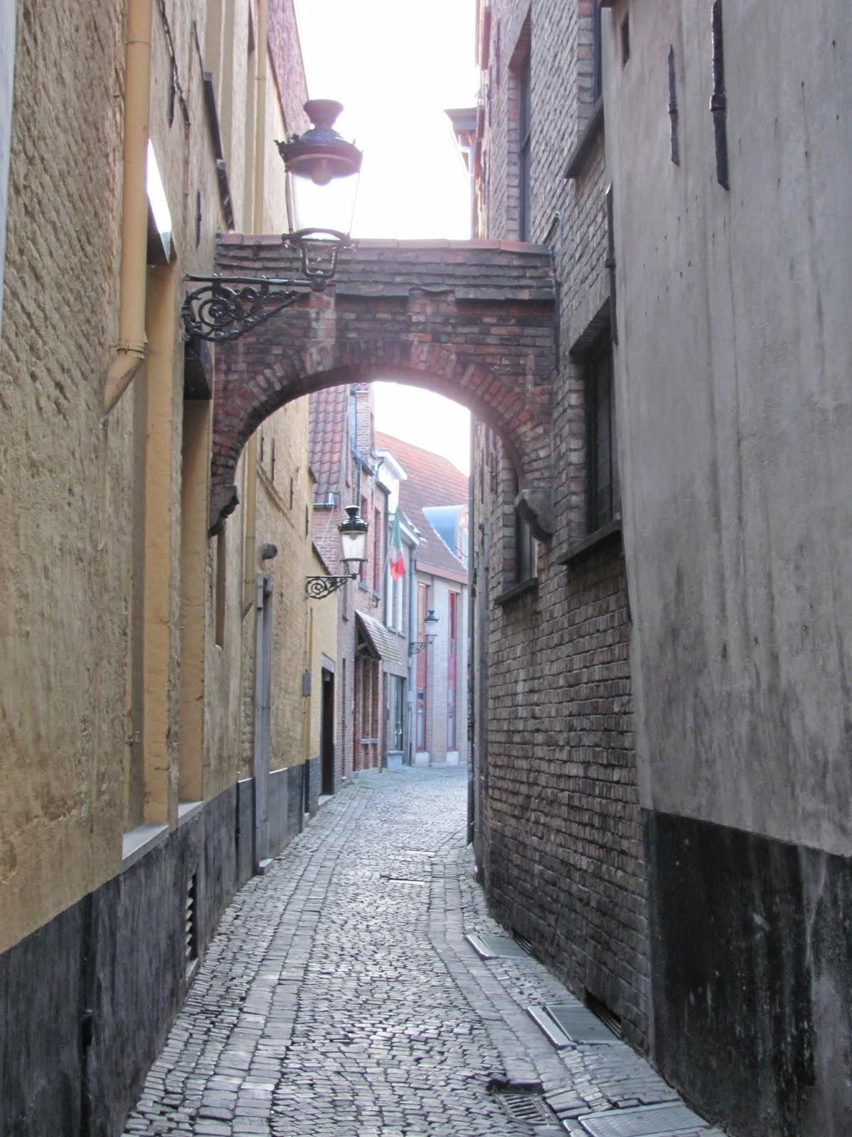 Arched Alleyway Bruges