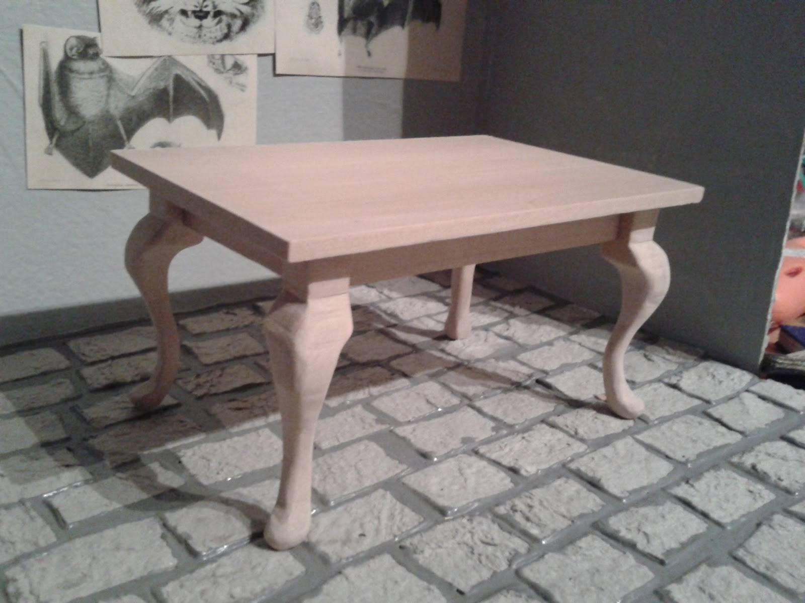 Illyria s Miniatures Cabriole legs dining table mini making