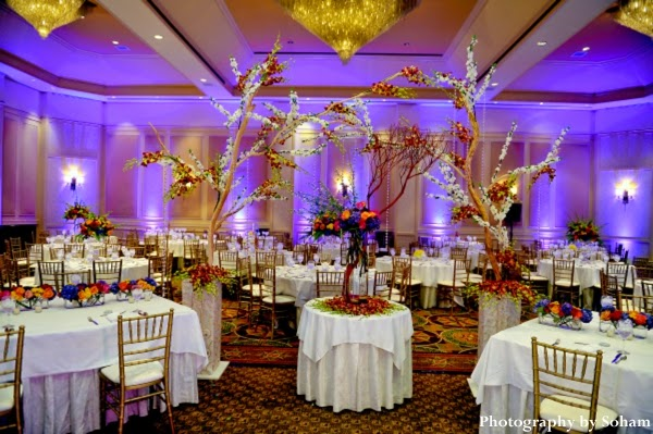 Best wedding decorations tips for wedding venue for Wedding reception room decoration ideas