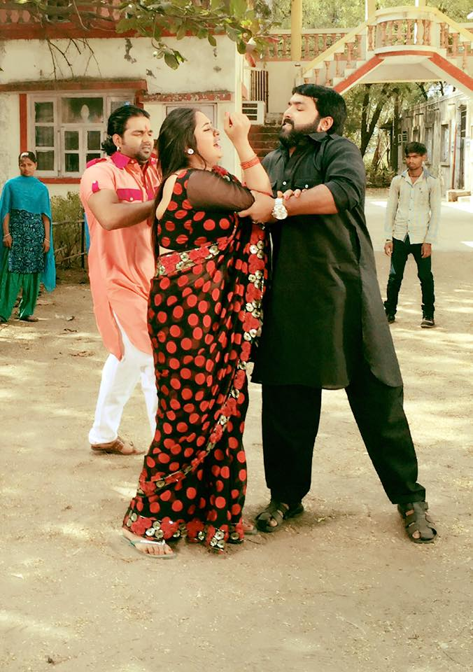 Pawan Singh, Kajal Raghwani Tohra Jaisan Yaar Kahaan Bhojpuri Movie Shooting stills, Tohra Jaisan Yaar Kahaan  Bhandar Bhojpuri Movie