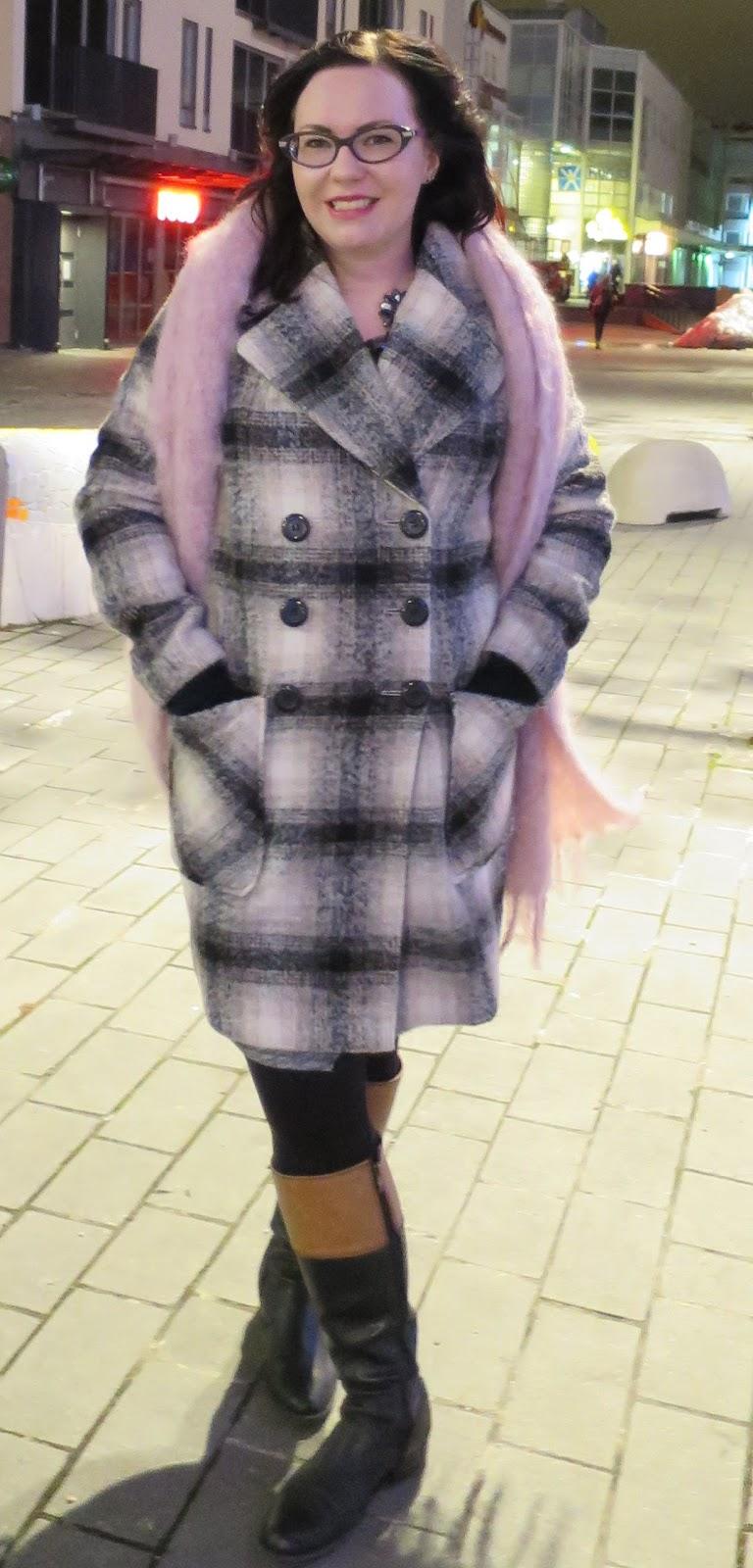 Ois Laukku Aleksi 13 : Klassinen talviasu marks spencer villakangastakki