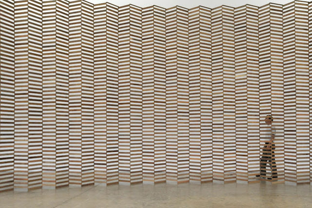 Escultura con listones de madera aeneas wilder espacios - Liston de madera ...