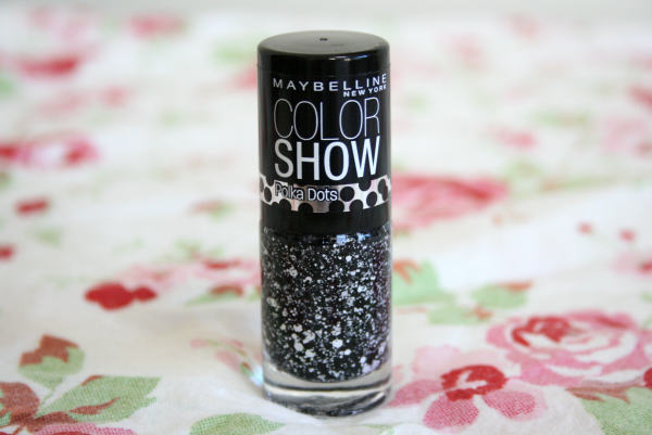 maybelline color show chalk dust, maybelline chalk dust, chalk dust polka dots,