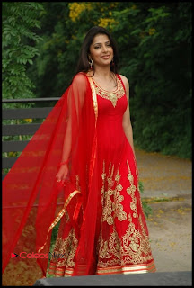 Bhoomika Chawla Latest Pictures in Red Sleeveless Golden Embroidery Salwar Kameez ~ Celebs Next