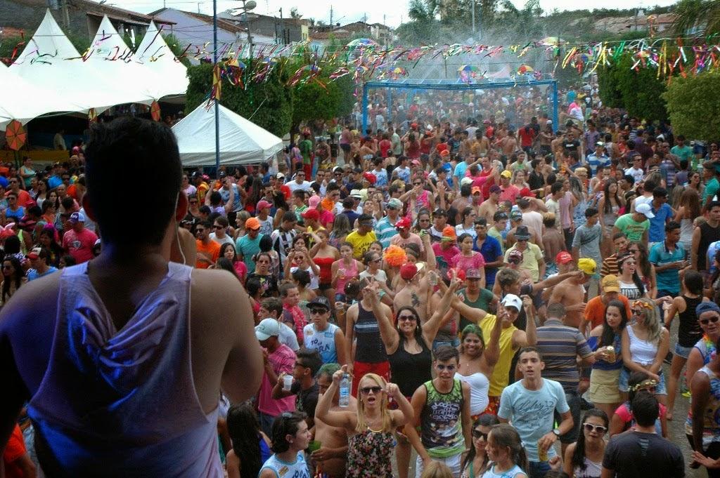 Veja fotos do Carnaval de São João do Tigre; dia 15
