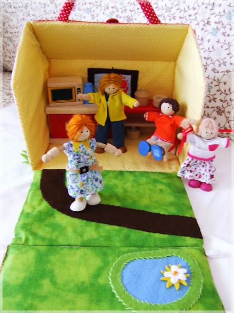 Textilní domeček pro panenky