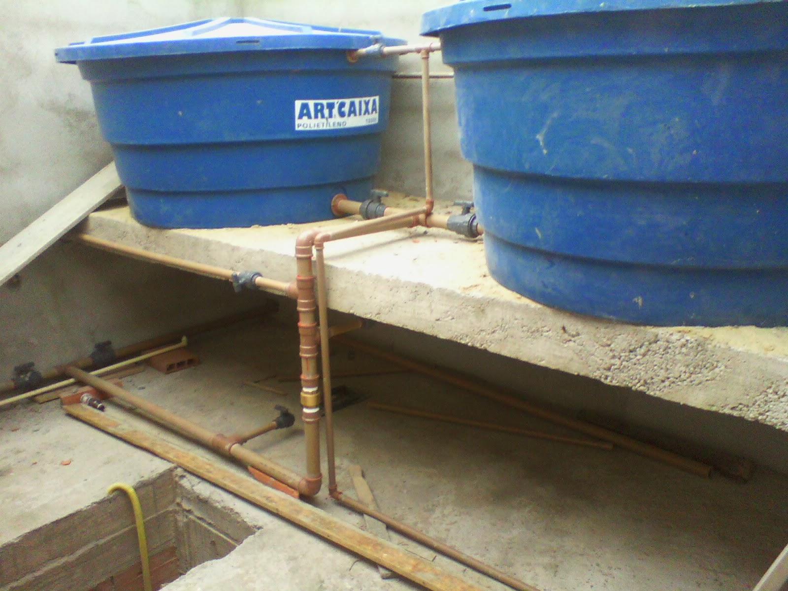 Casa Tony & Ta: Caixa d'agua Instalada e Madeiramento Telhado #366295 1600x1200