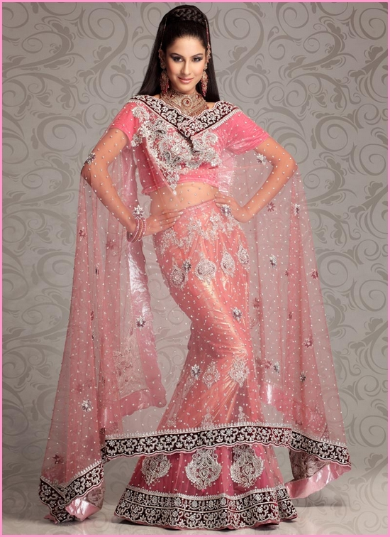 Girl For Look: Bright Colors and Great Designs of Pakistani Bridal Wear