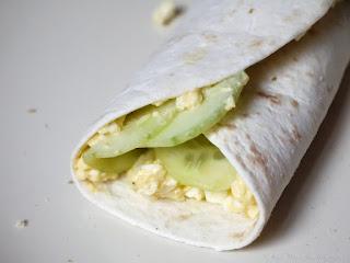 Wraps oeufs durs mayonnaise et concombre aigre-doux (voir la recette)