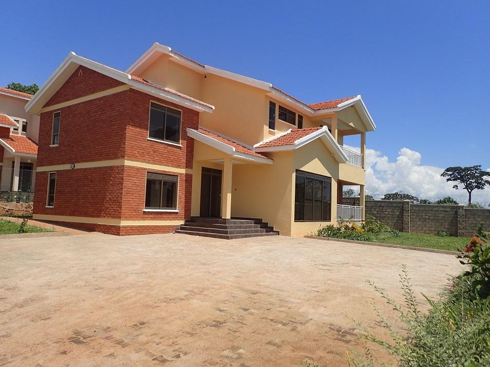 houses for sale kitende entebbe road