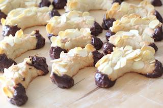 biscuits chocolat pate d'amandes amandes effilées