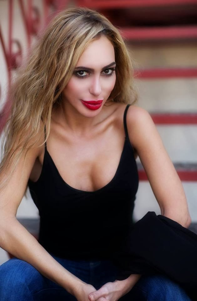 annabella mature personals Profile i am annabelle, a mature companion with a body « made for love » i am east european blonde in my early 40s, 5'7 in height, size 16 figure with all natural 38f bust.