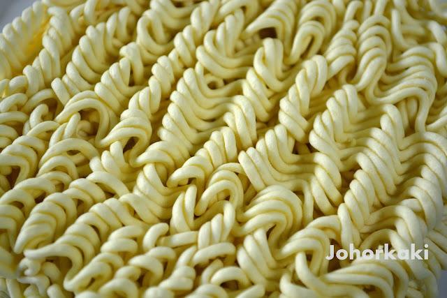 Paldo-Teumsae-Instant-Noodles