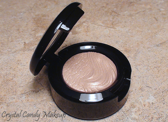 Fard à paupières A Natural Flirt de MAC (Collection Glamour Daze)