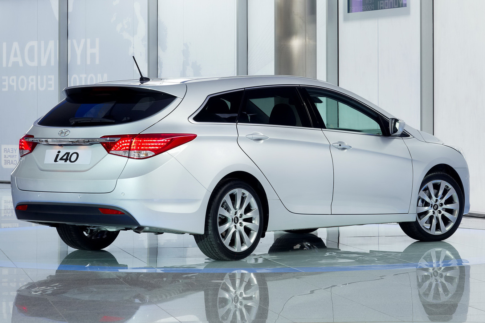 New Cars And Bikes In India Hyundai I40 Price In India