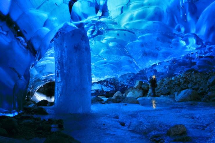 http://4.bp.blogspot.com/-uV_iGgDxFGU/U94l_jLYeEI/AAAAAAAAN5Q/m7LDCNgHX4k/s1600/Mendenhall+Ice+Caves+%E2%80%93+the+Fragile+Alaskan+Wonders,+USA...jpg
