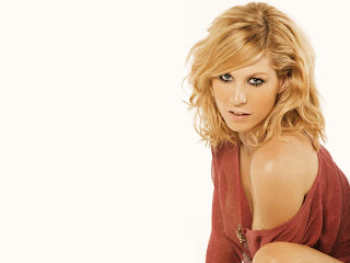 Jenna Elfman actress