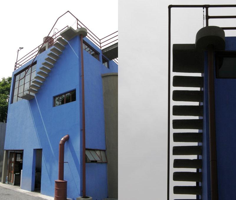 la ruta para acceder a la azotea es complicada desde una puerta de cristal del estudio de kahlo la escalera es estrecha y mnimamente