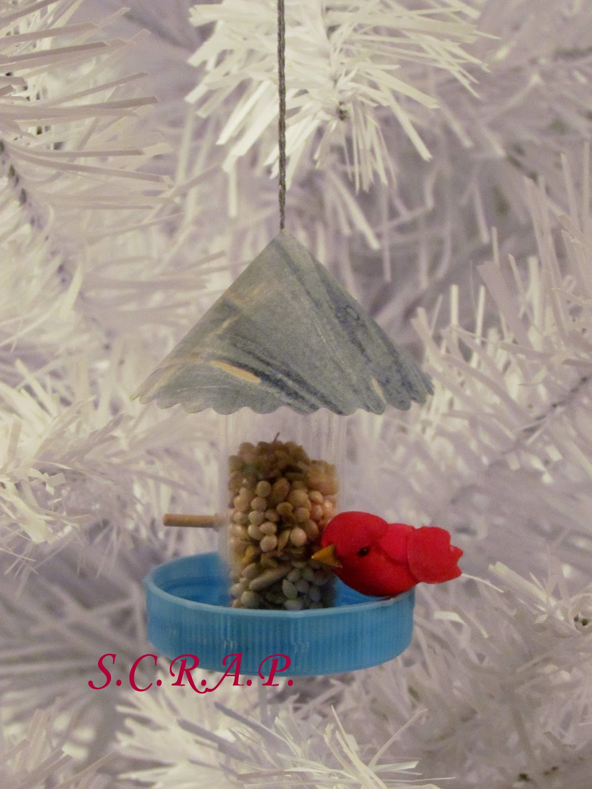 ... Recycled Art Projects: Pill Bottle Bird Feeder Christmas Tree Ornament