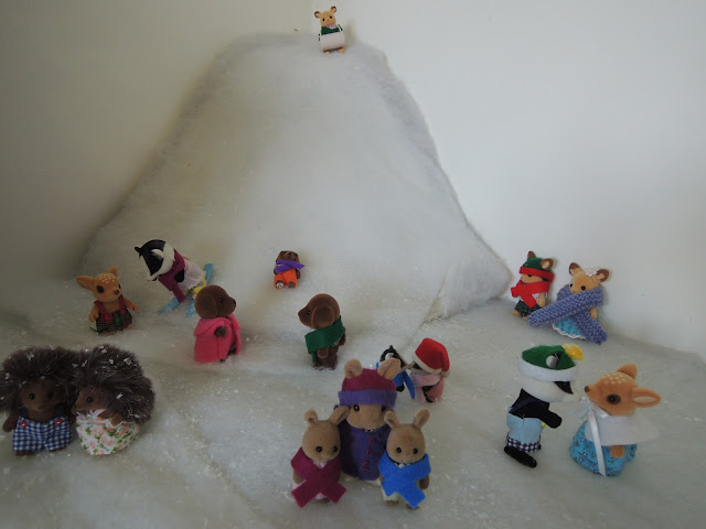 Sylvanian Families Christmas Winter Snow Scene