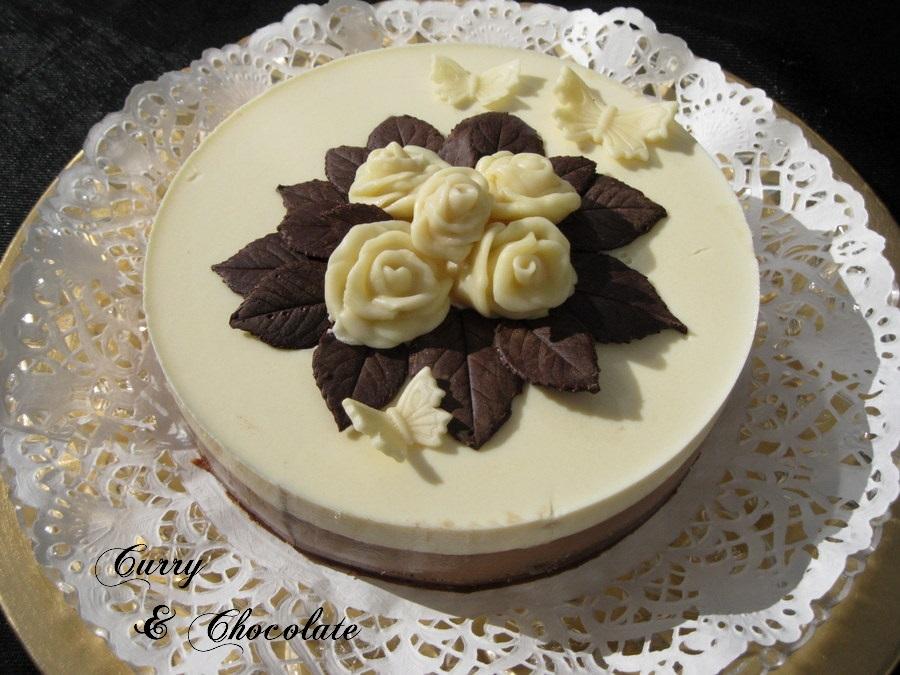 Tarta de chocolate blanco y café capuccino al caramelo