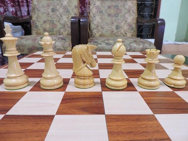 catur kayu untuk kolektor catur