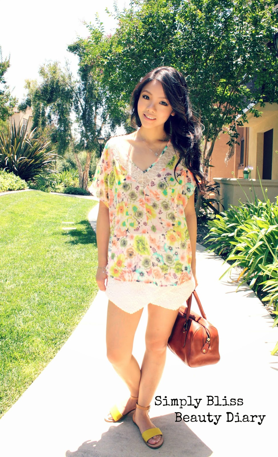 ASTR floral lace top and zara like shorts for spring with banana republic satchel and Paolo Bentini Sardinia Sandal