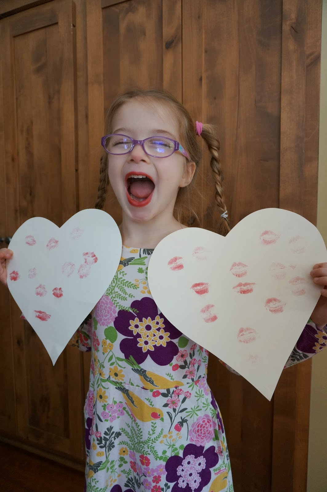 Kiss those hearts!