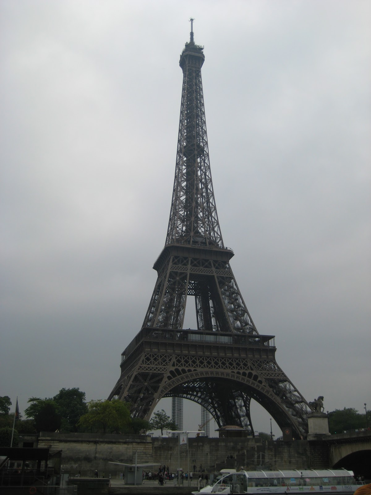 Architecture portfolio of srishti nagpal ucas id 109 861 for Eiffel architect